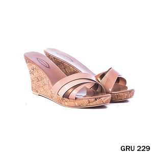 Sepatu Wedges Synthetic Fiber Cream – GRU 229