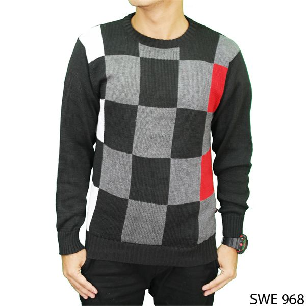 Mens Outfit Sweater Rajut Hitam